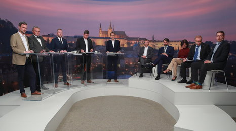 Celý záznam debaty: 10 kandidátů na primátora Prahy. Hlučná hádka o MHD zdarma