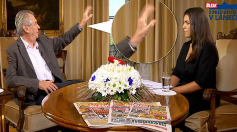 Klepající se ruka Miloše Zemana. Prezidenta čeká vyšetření