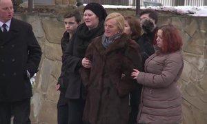 Snoubenku novináře Kuciaka Martinu Kušnírovou (†27) pohřbí rodina ve svatebních šatech
