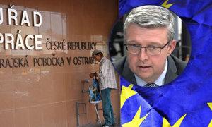 """""""Milion lidí bez práce, konec blahobytu."""" Odchod Česka z EU poškodí firmy i zaměstnance, říká expert"""