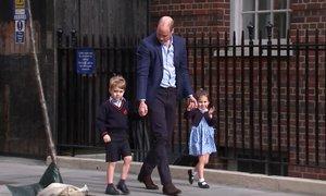 Královští sourozenci se přijeli podívat na miminko
