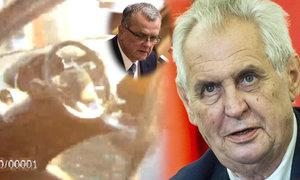Dítě zavřené ve vedru v autě v Brně kolabovalo. A Zeman čelí hněvu kvůli Babišovi