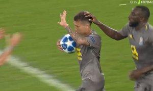 SESTŘIH LM: Schalke - FC Porto 1:1. Casillas nastoupil v brance Porta už do své 20. sezony v Lize mistrů