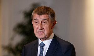 """Babiš na tiskovce: Útok na novinářky a Piráty na """"drogách"""""""