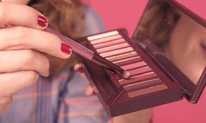 Otestovaly jsme lotion proti akné nebo paletku cherry očních stínů! Potřebujete je?