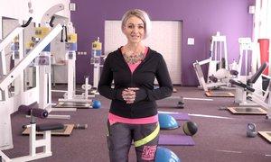 Jak se správně rozcvičit před sportovní aktivitou? Poradí trenérka Kateřina Hollerová