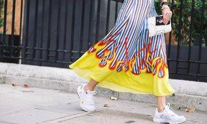S čím nosit bílé tenisky? 3 tipy na chic & trendy outfity