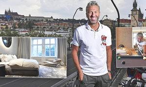 Vítejte u Petra Nedvěda! Bývalý útočník ukázal svůj luxusní byt