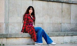 Jak nosit džíny, které ovládnou letošní rok? 3 outfity, které vás inspirují!