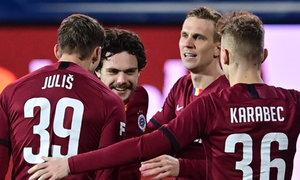 Opava - Sparta: Juliš tečoval Karlssonovu ránu do sítě, 1:0 pro Letenské!