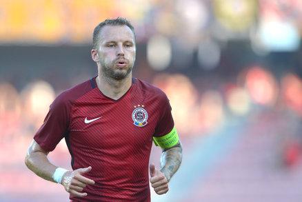 Sparťanský kapitán Michal Kadlec v zápase s CZ Bělehrad na Letné