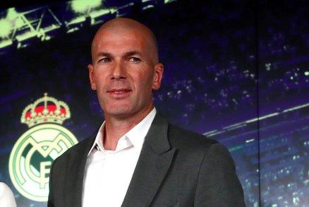 Zinedine Zidane při představení do role trenéra Realu Madrid