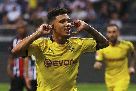 Jadon Sancho slaví svou trefu v dresu Dortmundu