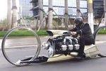 TMC Dumont: Motorka křížená s letadlem, je vynález s obrovskými koly, který není určený pro nějaké pohodové projíždění