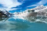 Jachta Ida Pfeiffer nabízí i luxusní zázemí pro pasažéry včetně bazénu