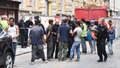V centru Prahy se zřítila část domu! Zavalila čtyři lidi, hasiči je vyprošťují